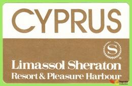 Voyo  HOTEL LIMASSOL SHERATON Limassol Cyprus Hotel Label  Sticker 1980s - Etiquetas De Hotel