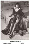 RITA HAYWORTH - Film Star Pin Up PHOTO POSTCARD - P666-4 Swiftsure Postcard - Postcards