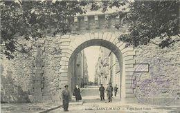 35 - ST MALO - ILLE ET VILAINE - PORTE ST LOUIS - ANIMEE -  VOIR SCANS - Saint Malo
