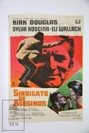 1968 Cinema/ Movie Advertising Leaflet - A Lovely Way To Die - Kirk Douglas,  Sylva Koscina,  Eli Wallach - Cinema Advertisement