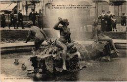 NANTES (44) La Fontaine De La Place De La Duchesse Anne - Belle Carte Postée - Nantes