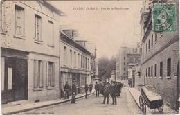 YVETOT - Rue De La Réublique - Bien Animé - Plan RARE - Yvetot