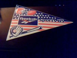 Autocollant Ancien Publicite REEBOCK Theme Sport Us  Foot Ball  Americain Base Ball - Stickers