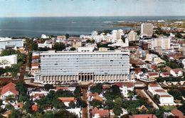 1 AK Senegal * Blick Auf Dakar - Im Vordergrund Regierungsgebäude - Karte Aus Den 50iger Jahren - HOA-QUI Karte - Senegal