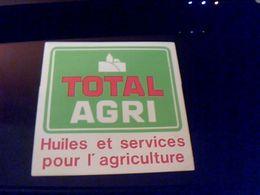 Autocollant Ancien Publicite Agricuture Huile TOTAL AGRI - Stickers