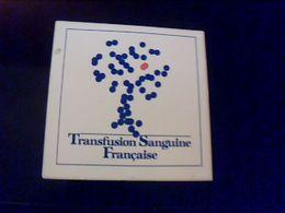 Autocollant  Publicite  Ancien Sloggan Transfusion Sanguine Francaise - Stickers