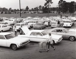 USA US Air Force Parking De Supermarche Base Militaire Ancienne Photo 1967 - War, Military