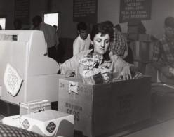 USA Scene Caissiere Du Supermarche D'une Base Militaire Aerienne Ancienne Photo 1966 - War, Military