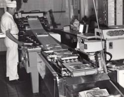 USA Scene Boucherie Du Supermarche D'une Base Militaire Aerienne Ancienne Photo 1965 - War, Military