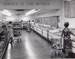 USA Scene Au Supermarche D'une Base Militaire Aerienne Ancienne Photo 1965 - War, Military