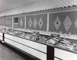 USA Scene Boucherie Du Supermarche D'une Base Militaire Aerienne Ancienne Photo 1964 - War, Military
