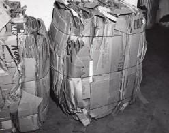 US Air Force Entrepot De Supermarche Base Militaire Balles De Cartons Ancienne Photo 1963 - War, Military