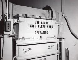US Air Force Entrepot De Supermarche Base Militaire Compacteur A Carton Ancienne Photo 1963 - War, Military