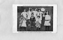 Carte Postale - Réfugiés D'EVIAN Envoient Un Salut à Leurs Amis De SUISSE - Groupes D'enfants & Familles