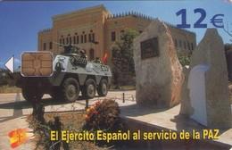 TARJETA TELEFONICA DE ESPAÑA USADA. 06.04 - TIRADA 50201 (426). EL EJERCITO ESPAÑOL AL SERVICIO DE LA PAZ. - Spain