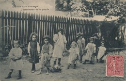 H54 - LA VIE AUX CHAMPS - L'enterrement De La Poupée - Agriculture