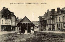 76 ANGLESQUEVILLE-SUR-SAÂNE - Les Halles - Animée - France