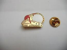 Superbe Pin's En EGF , Gymnastique , SMG Lambersart , Nord - Gymnastics