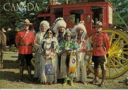 CPM La Police Montée Et Les Indiens Canadiens - Modern Cards