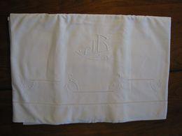 186 - Drap Brodé De Jours échelle Et Monogrammé JB - Bed Sheets