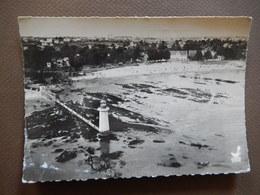 44 - EN AVION AU DESSUS DE SAINT NAZAIRE - PLAGE DE VILLES MARTIN ET LE PHARE - AERIENNE - AU BROMURE - R12604 - Saint Nazaire
