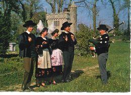 """Folklore Us Et Coutumes Tradition Costume Traditionnel Cercle Celtique """"Ar Rouedou Glas"""" Danse Musique - Dances"""