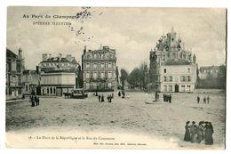 CPA 51 Marne Epernay La Place De La République Et Rue Du Commerce Animé - Epernay