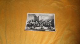 PHOTO ANCIENNE DATE ?. / SCENE PHOTO DE GROUPE DE FEMMES. / BUREAU, USINE ?. / PHOTO NYDEGGER PARIS. - Personnes Anonymes