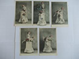 Lot De 5 Cartes D'une Même Série Deux Très Jeunes Filles - Postcards