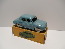 DINKY TOYS FRANCE   RENAULT DAUPHINE - Toy Memorabilia