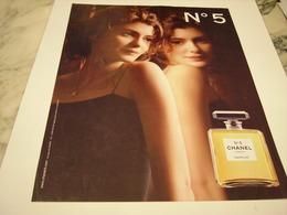 PUBLICITE AFFICHE PARFUM CHANEL 5 - Perfume & Beauty