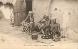 CONAKRY - Seins Nus - Types De Femmes Indigènes - Guinea Equatoriale