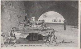 Les Petits Métiers Parisiens - Le Décrotteur - Petits Métiers à Paris