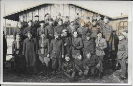 Cpa Photo Soldats Camp-voir Cachet Dos -Genehmigt Kommandatur Ofliag XIII A - Guerre 1939-45