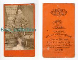 Photo Cdv D'un Militaire, 6 Sur Col, Photographe Joseph Grampa, Lyon - Guerre, Militaire