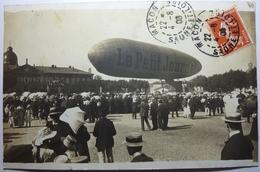 """CARTE PHOTO DU BALLON DU """"PETIT JOURNAL"""" DEVANT L'HOPITAL (AOUT 1909) - MACON - Macon"""
