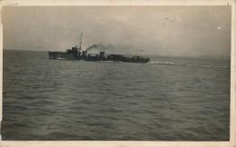 H55 - Carte Photo - Militaria - Navire Patrouilleur Avant La Torpille - Equipment
