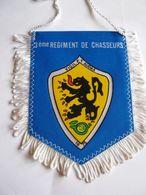 FANION DE VOITURE (BI FACE) REGIMENT DE CHASSEURS  LE 3° RC ETAT EXCELLENT - Bandiere