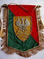 ANCIEN FANION EN CANNETILLE REGIMENT ARTILLERIE 73° RA ETAT EXCELLENT - Flags