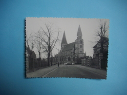 PHOTOGRAPHIE  POISSY  -  78  -  La Collègiale  -  8,7 X 10  Cms - 1964  - Yvelines - Poissy