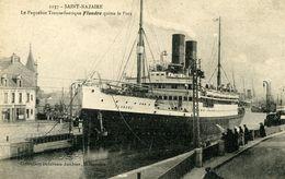"""44 ST NAZAIRE Le Transatlantique """"Flandre"""" Quitte Le Port - Paquebots"""