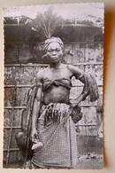 """A.E.F (Brazzaville) Danseuse Tambo - Librairie """" Au Messager """" N°71 - Editeur Hoa-Qui - Congo Français - Autres"""