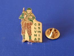 Pin's Militaire CLMVA 95 Th ID - Club Lorrain De Véhicules Militaria Alliés - 95ème Division D'infanterie - Metz (LB57) - Army
