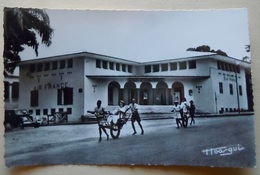 "A.E.F (Brazzaville) Les Bureaux D'Air-France - Librairie "" Au Messager "" N°5 - Editeur Hoa-Qui - French Congo - Other"