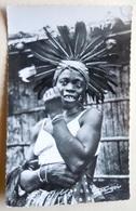 """A.E.F (Brazzaville) Indigène En Costume De Parade - Librairie """" Au Messager """" N°69 - Editeur Hoa-Qui - Congo Français - Autres"""