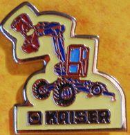 AA 449)..TRACTEUR/ MATÉRIEL DE CHANTIER / PELLETEUSE /   ...........KAISER........... - Pin's