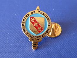 Pin's Militaire - Centre De Traitement De L'information - Blason épée (LA30) - Militaria