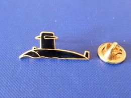 Pin's Militaire Marine Nationale - Sous Marin Noir (LA25) - Armee