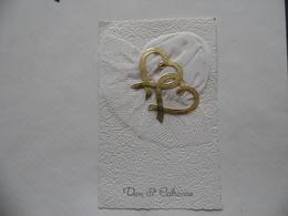 Belle Cpa De Vive Sainte-Catherine  Petit Bonnet Tissu Et Tulle + 2 Coeurs Dorés  1965 - Sainte-Catherine