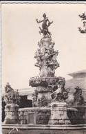 65----TARBES--la Fontaine Vignaux, Place Marcadieu--voir  2 Scans - Tarbes